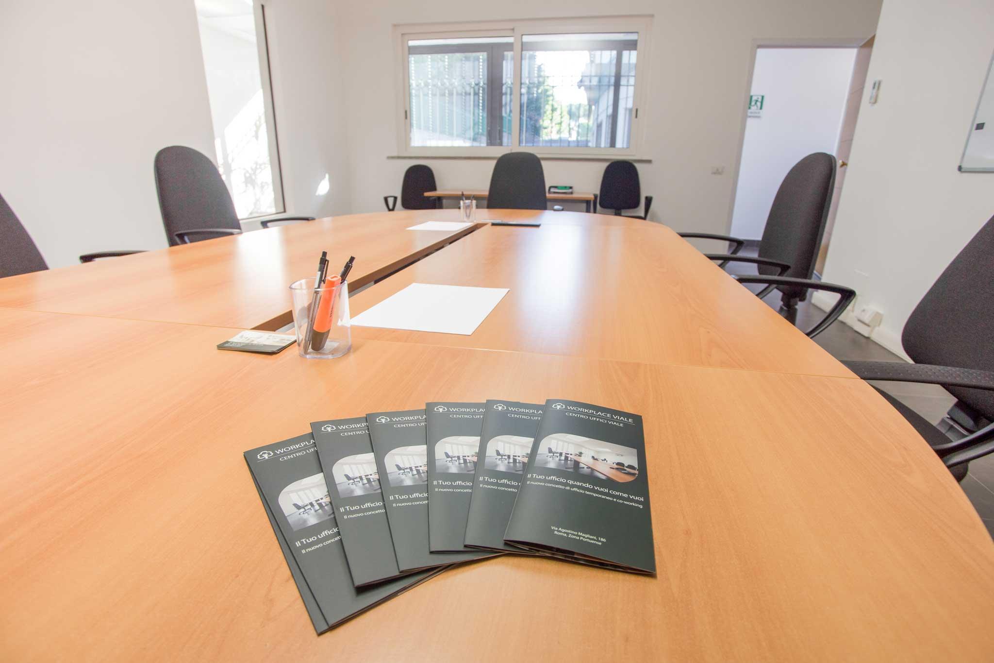 Sala riunioni per meeting portuense uffici in affitto a for Affitto studio eur